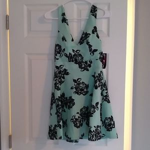 Junior dress (medium)